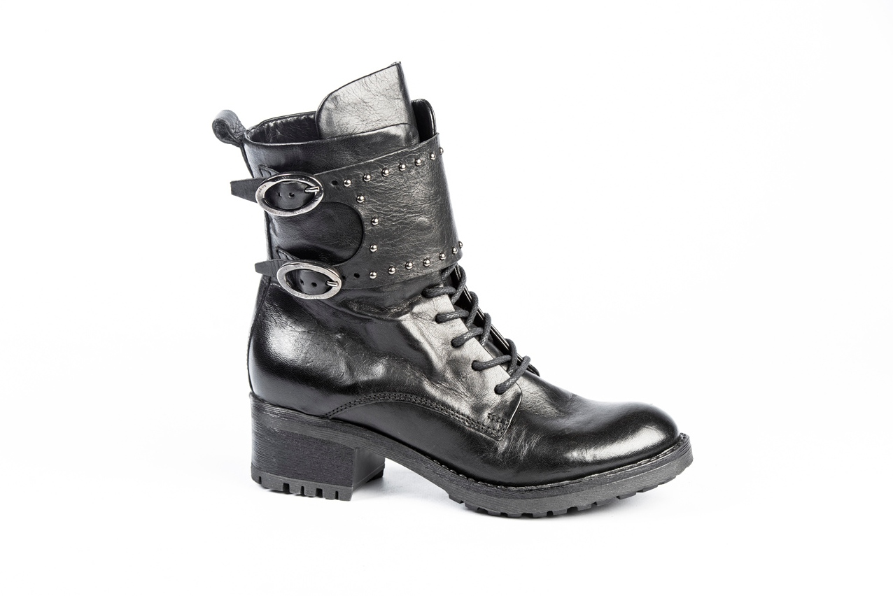 Piet Zoomers, Mjus dames boots